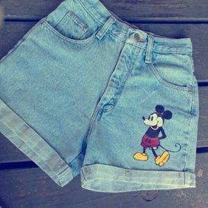 Wrangler highe waisted Mickey mouse jean shorts!